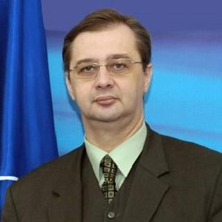 Prof. Univ. Dr. Iulian Chifu